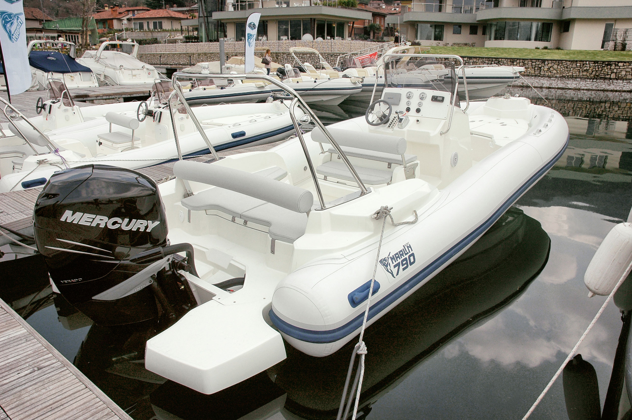 Model Dynamic 790 Marlin Boat